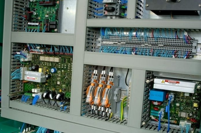 New tech drives pharmaceutical automation and manufacturing